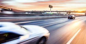 טכנולוגיה מהירה למכוניות חכמות. אילוסטרציה: BigStock