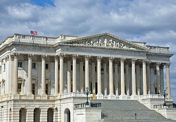 דיון בעניין חוק להגנה על חברות האינטרנט. הסנאט האמריקני. צילום: BigStock