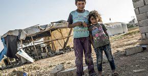 ילדים סוריים נפגעי המלחמה במחנה פליטים בטורקיה. צילום: ראדק פרוקיק, BigStock