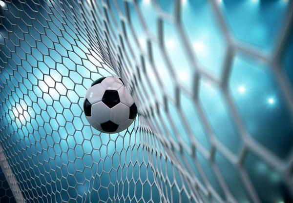כדורגל - מרגש את כולם. צילום: BigStock
