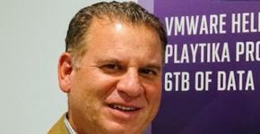 שמוליק ענתבי, מנהל בכיר ב-VMware מזרח אירופה בנוסף ליוון, קפריסין, מלטה וישראל. האזור המכונה MEE. צילום: פלי הנמר