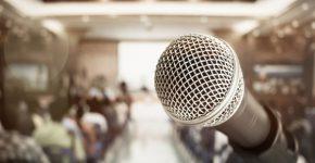 דיבור מול קהל. צילום: BigStock
