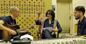 תהליך היצירה של השיר. מימין: נמרוד שפירא, יזהר כהן ואבשלום אריאל. צילום: סטפן סטלמן
