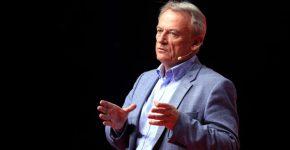 כריס סקינר, מוביל דעה בתחום הבנקאות הדיגיטלית ומחבר הספר Digital Human. צילום: דוברות מיקרוסופט